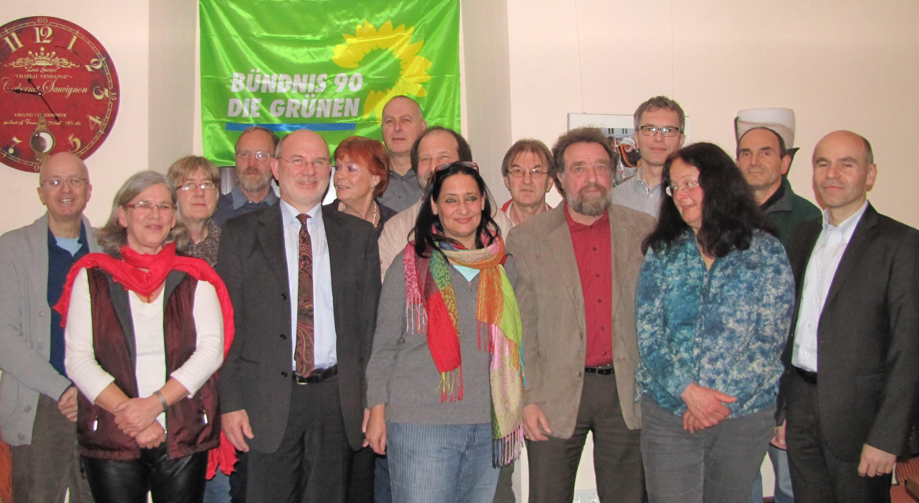 14 von 22 KandidatInnen für den Gemeinderat und von 6 Kandidaten für den Kreistag