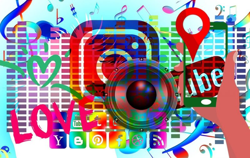 Social Media Social Network Youth  - geralt / Pixabay